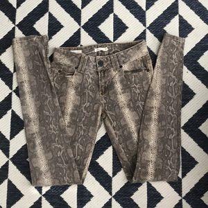 Sneak print brown jeans